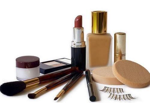 化妆品企业面临的刑事法律风险问题,如何去对待这些问题?